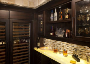 Add a Wet Bar To Your Kitchen Cabinets Tampa Wishlist!