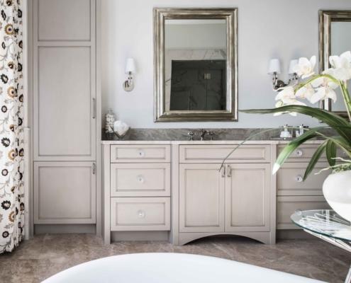 master bathroom - transitional design