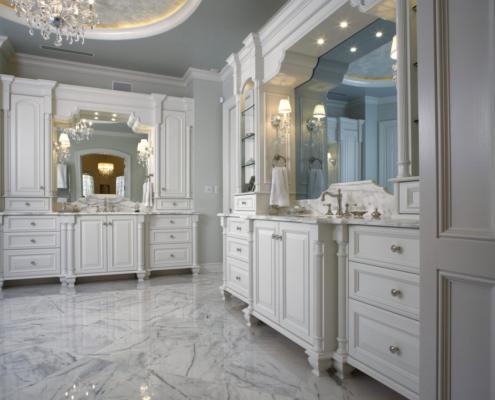 custom traditional bathroom cabinets