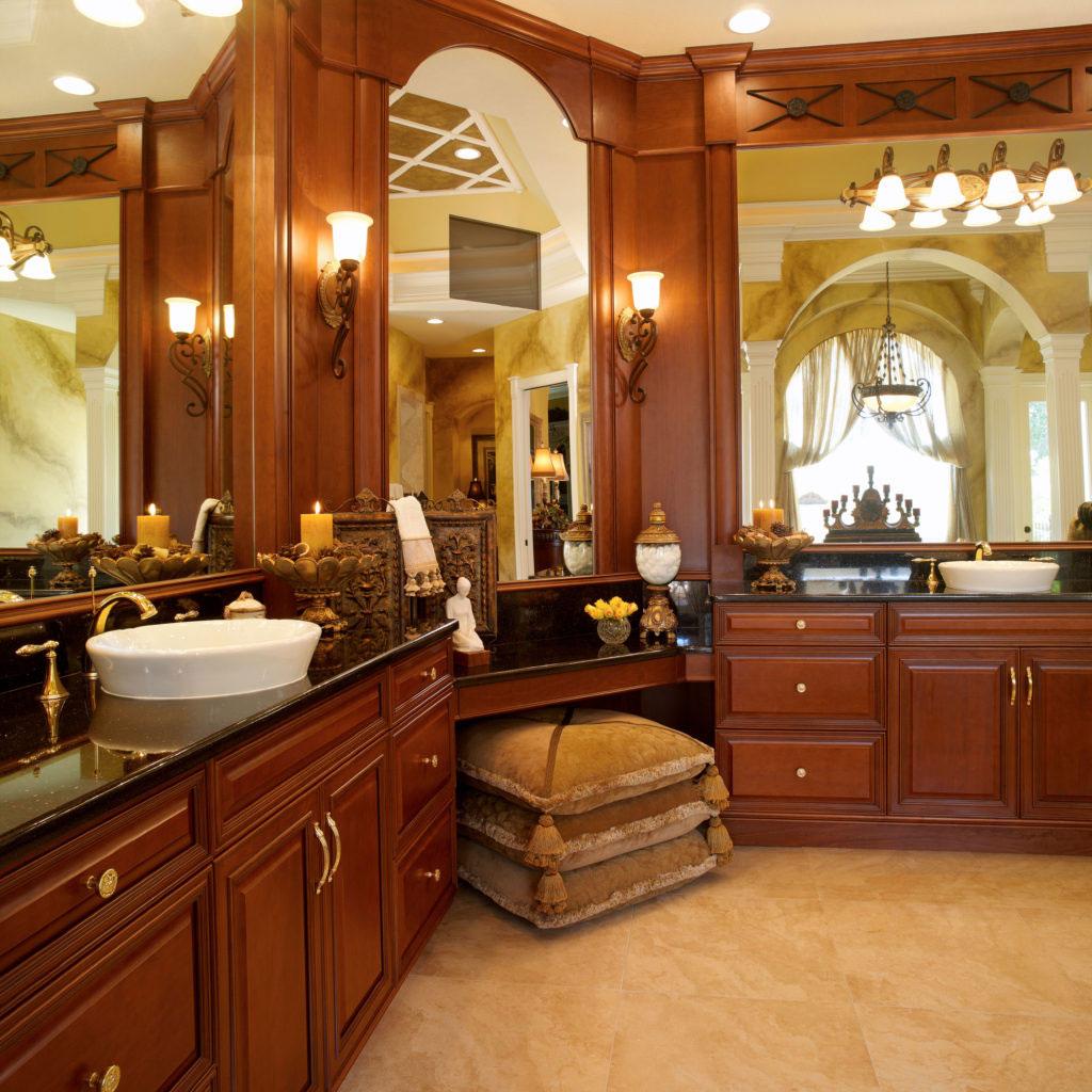 bathroom cabinets - traditional design